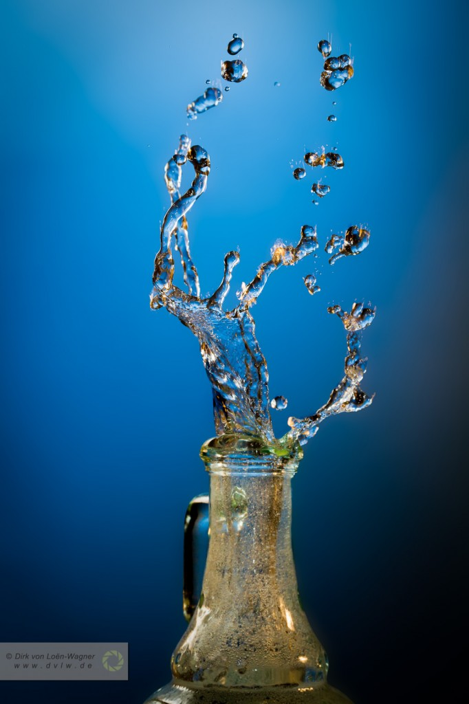 Splash 2 - Spilling bottle